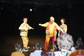Маленькие истории для клоунов фото 3