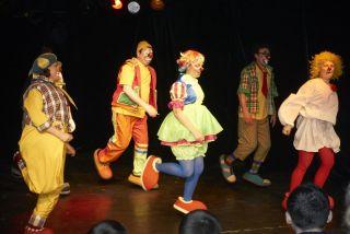 Маленькие истории для клоунов фото 1