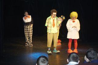 Маленькие истории для клоунов фото 2
